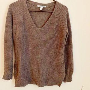 Autumn Cashmere Ribbed V neck sweater